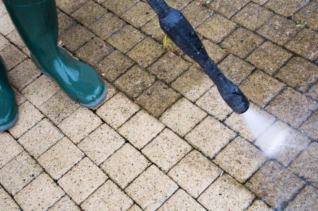 huntsville-paint-contractors-pressure-washing-1_orig